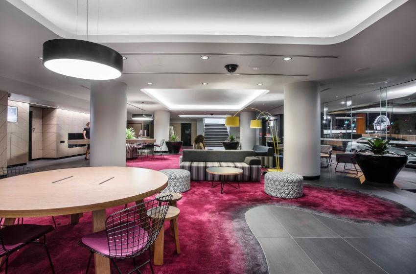 wmk mecure hotel brisbane. Black Bedroom Furniture Sets. Home Design Ideas